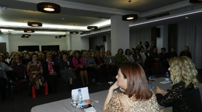 Türk doktorları Kosovalı kadınlara meme kanserini anlattı