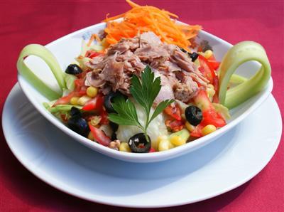 Ton Balıklı Miami Salatası